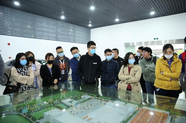 跟随2021款帕萨特 走进上汽大众南京工厂