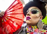 巴西同性恋游行 奇装异服博眼球