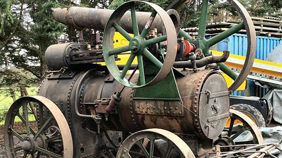 英夫妇生前收藏大批拖拉机拍出1400万元