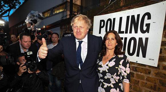 伦敦前市长鲍里斯·约翰逊参加公投(高清组图)