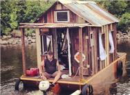 美艺术家造水上船屋寻找记忆