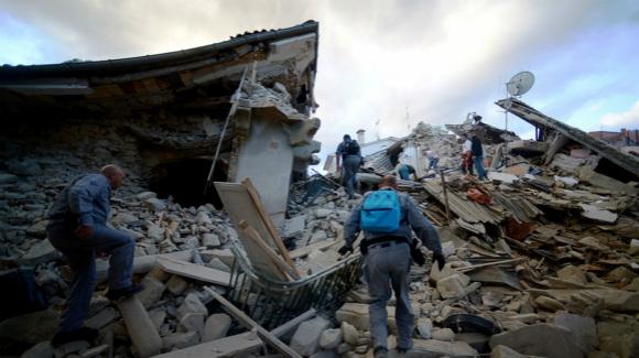 意大利6.1级地震造成38人死亡上百人失踪