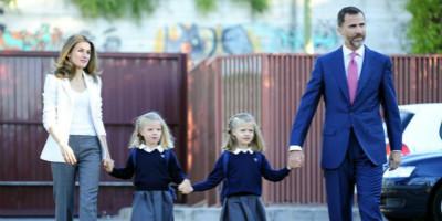 又到金秋开学季,王子公主上学忙