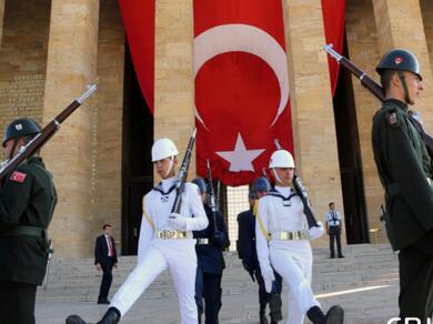 土耳其举行纪念胜利日94周年盛大阅兵