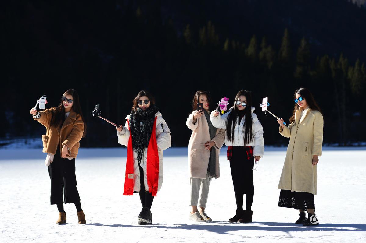 【原创】网红女子穿比基尼在海拔5000米雪山上直播 - 白猿 - 沙海尘埃