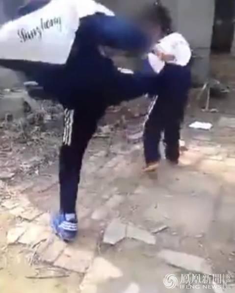 [转载]中学女生35秒内被掌掴14次 视频拍摄者劝路人快走 - 缘分 - 缘分 的博客
