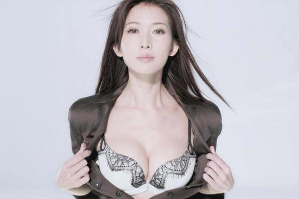到底什么样的人能配得上她呢?林志玲嫁不出去的真实原因让人震