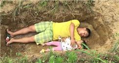 父亲给2岁重病女儿挖坟等死