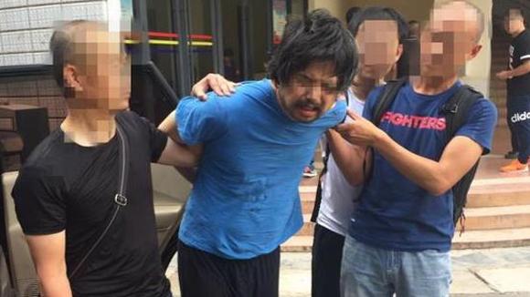他杀人潜逃16年云南开客栈 儿子换身份考上北大