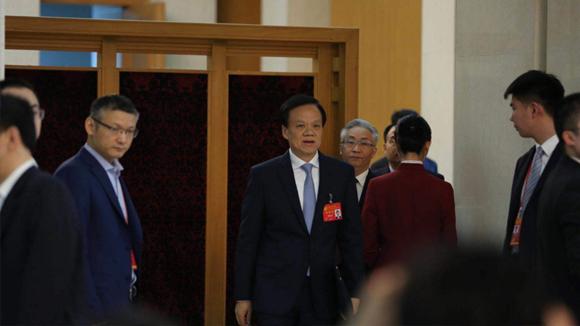 中共十九大部分代表团讨论向记者开放