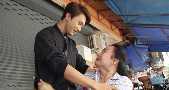泰国丑小伙赴韩国整容变美男 亲妈都认不出了