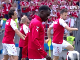 2日比赛丹麦队赛前采访训练视频