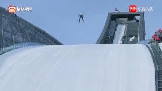 极限运动 跳跃式滑雪的日常训练 展现滑雪高手的种种英姿