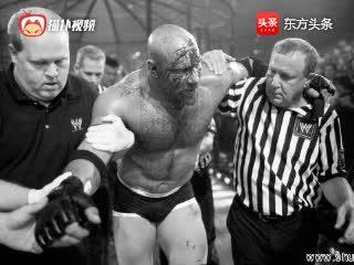 WWE肌肉男终极对决,战神高柏这一次真的败了!惨叫连天