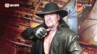 WWE毒蛇奥顿挑战送葬者,最终毒蛇将葬爷送进棺材里!