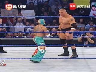WWE:布洛克VS神秘人雷尔,半兽人的称号绝非浪得虚名啊