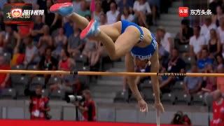 女子撑杆跳,慢镜头下才能感受到竞技体育的力与美