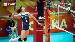 赏心悦目!朱婷垂直于网的后攻扣球 打出男子排球的技术!