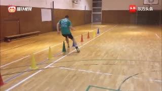 通过绕桩来练习身体的灵活性和速度,适合各种球类运动项目练习