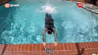 游泳基本功,游泳达人教你循序渐进练习打水技巧,贵在坚持
