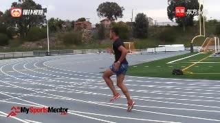10个田径运动员必练的热身动作,提高身体的协调力,增强爆发力