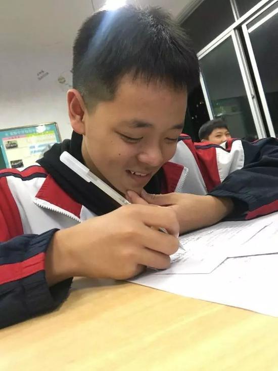 最爱鹿晗还是数学老师?这份试卷让学生直呼太难