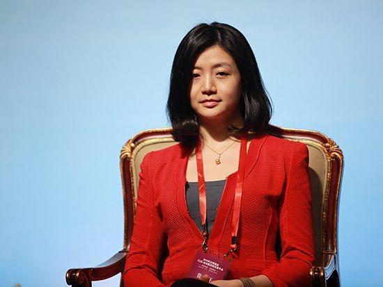 马云亲自请她 身价100亿被称中国最美女富豪!