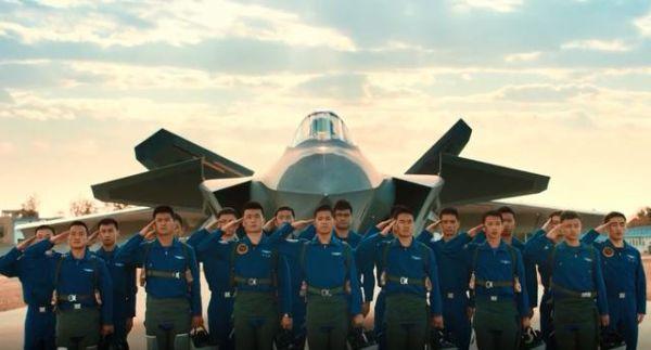 港媒:中国空军宣传片曝光歼20驾驶员数量 最少18人