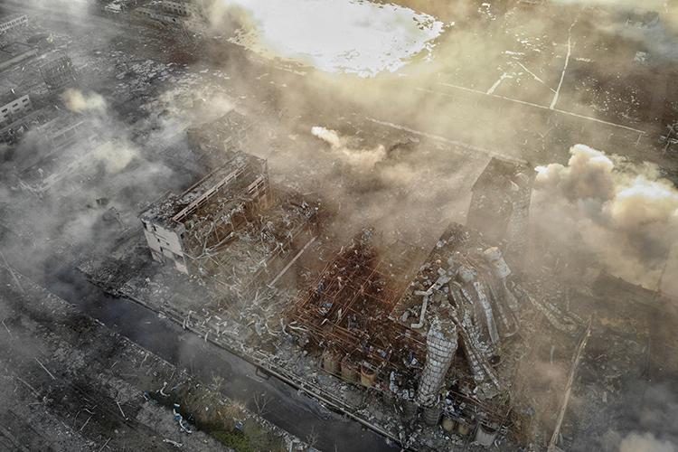 航拍江苏响水化工厂爆炸现场:核心区出现巨坑