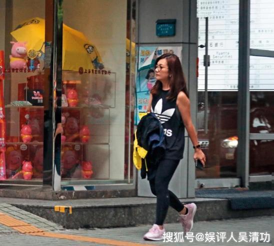曝赵元同出轨网红和员工,梁静茹崩溃痛哭,但没有离婚只是分居