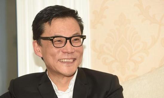 """李国庆回应""""同性绯闻"""":我这种傻白甜 容易让男人爱"""