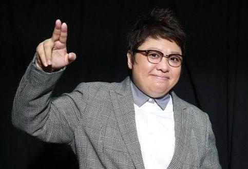"""韩红怒骂80多位明星:""""赚那么多钱留着买棺材用?"""",网友力挺:真有血性"""
